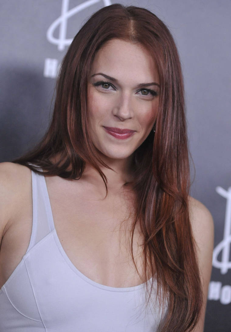 Amanda Righetti at E! Oscar After Party