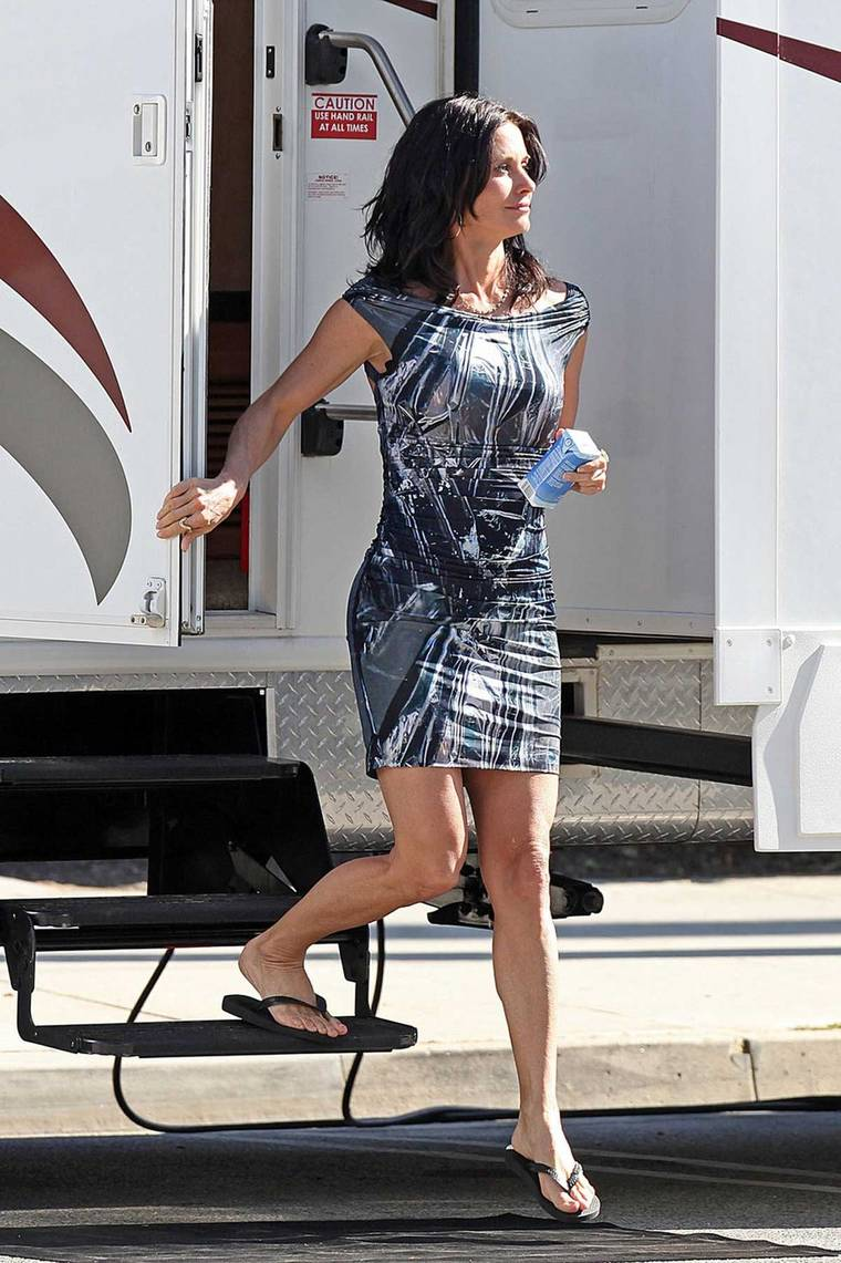 Courteney Cox on the set of Cougar Town