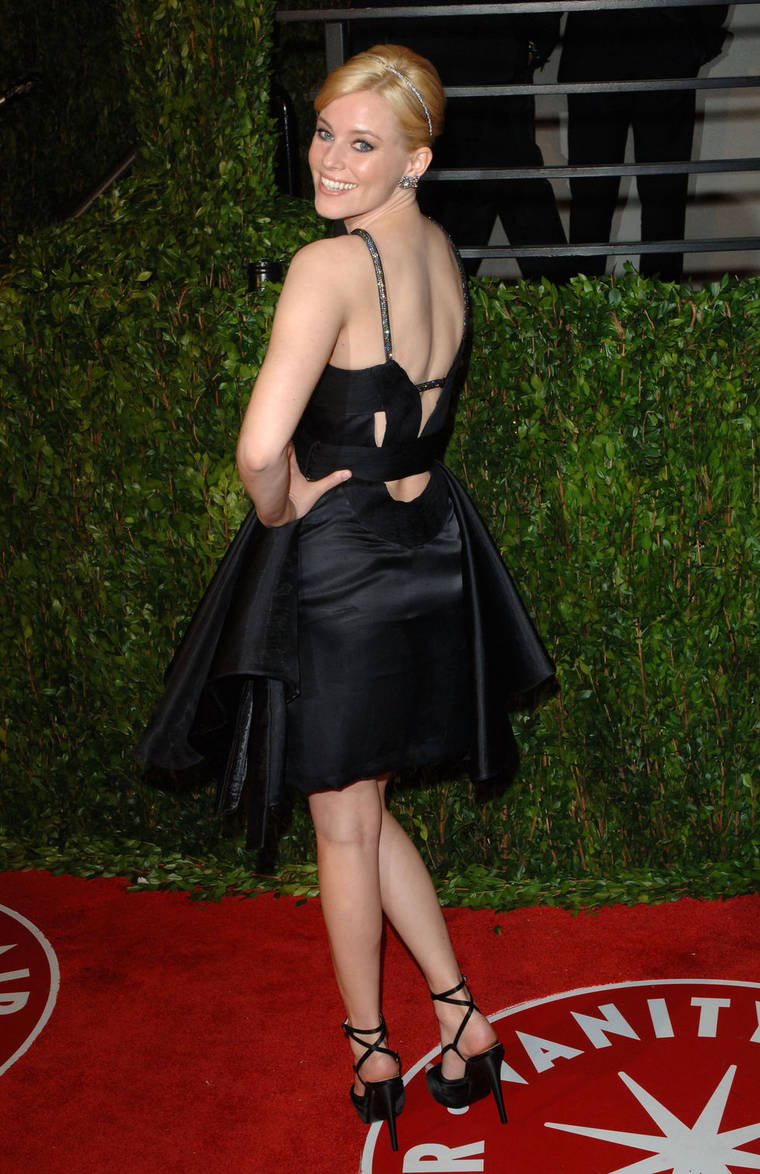 Elizabeth Banks at 2010 Vanity Fair Oscar Party