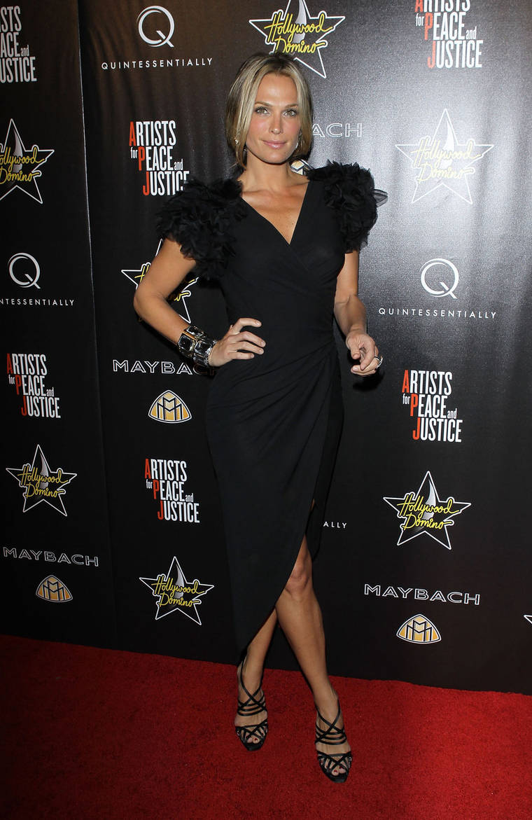 Molly Sims at Hollywood Domino's 3rd Annual Pre-Oscar Party
