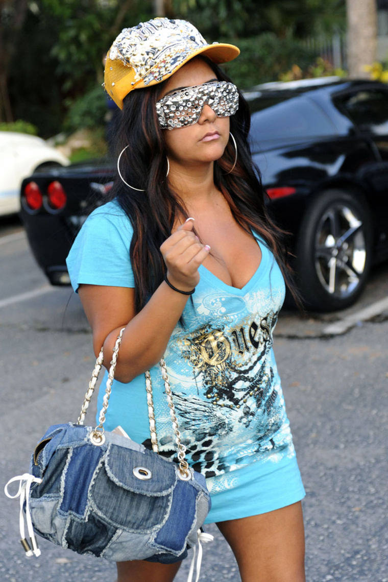 Snooki Cleavage and Short Dress in Miami