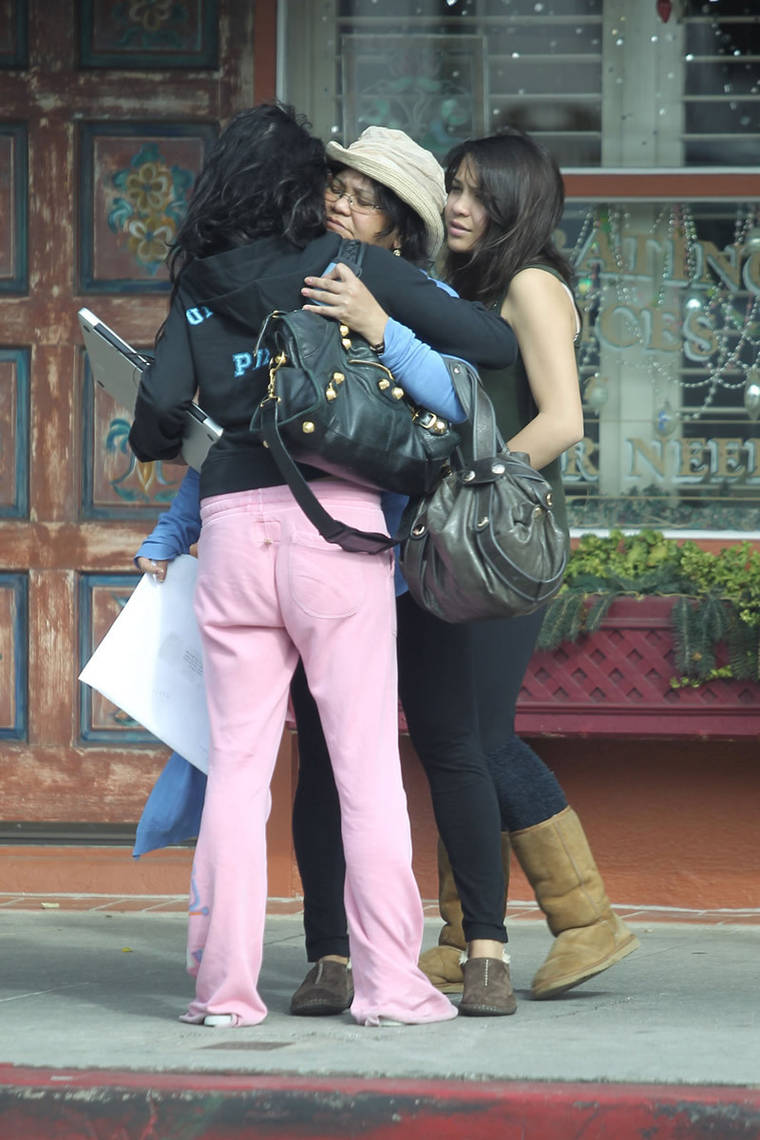 Vanessa Hudgens with her sister outside Aroma Cafe in Encin