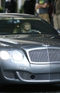 jenifer-aniston-in-bentley-3