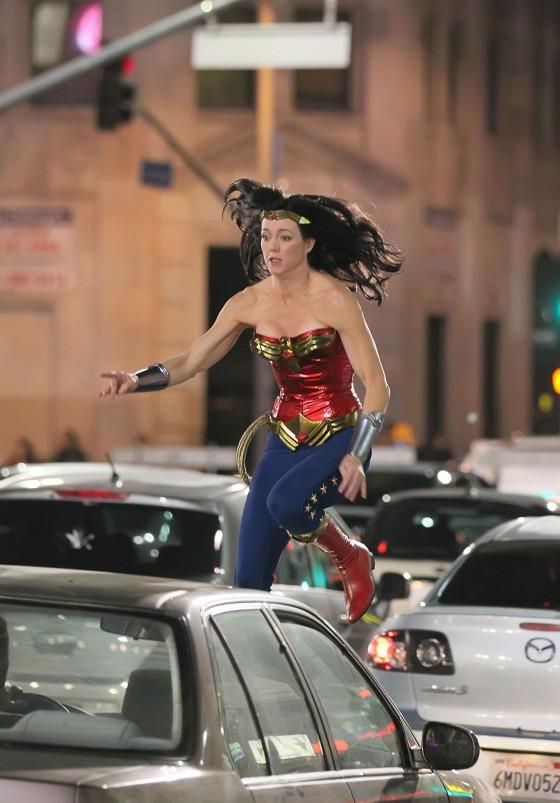 Adrianne-Palicki-On-the-set-of-Wonder-Woman-in-LA-03-29-11-16-560x803.jpg