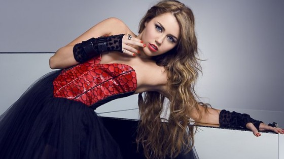 Miley Cyrus – Corazon Gitano Tour 2011 (adds)