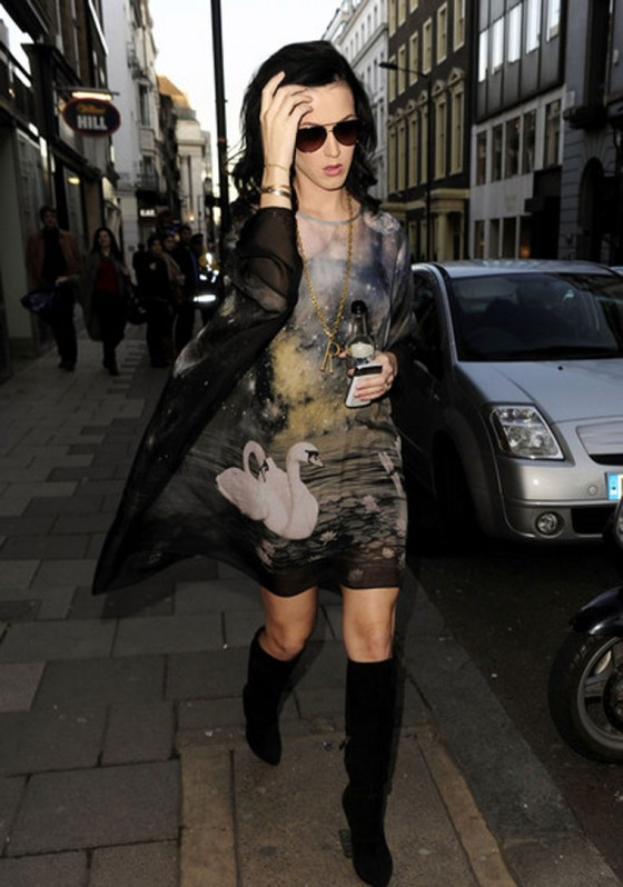 Katy Perry London Shopping Spree!
