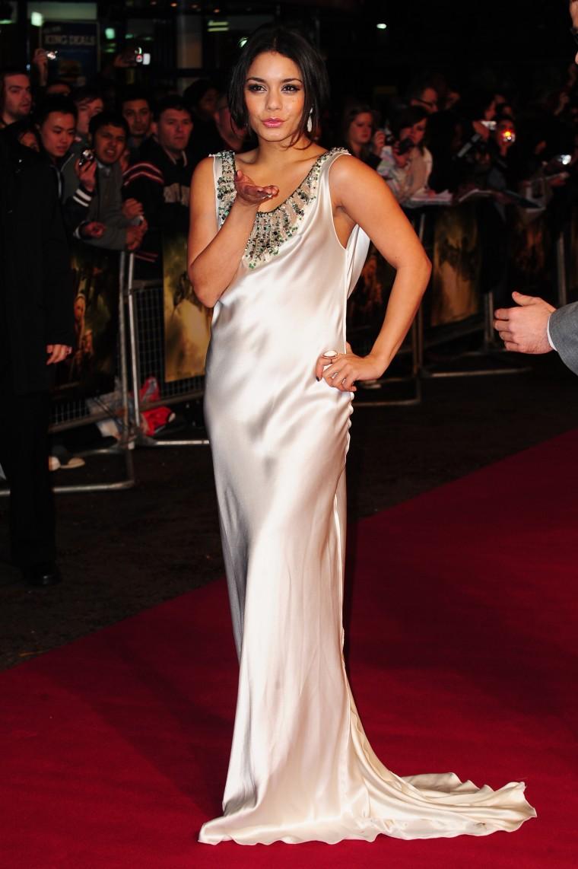 Vanessa Hudgens 2011 : Vanessa-Mat (14)