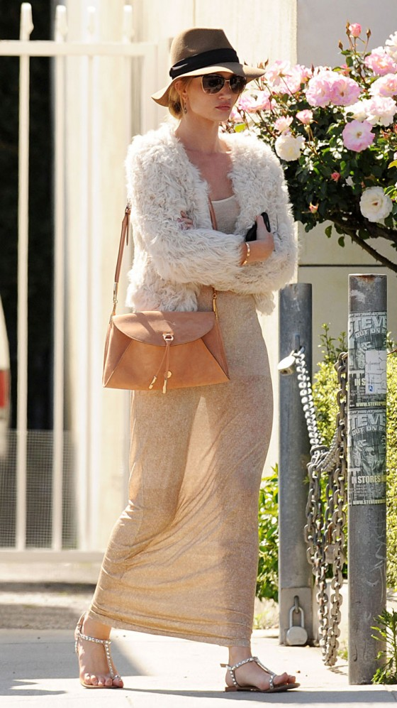 Rosie Huntington Whiteley - Candids in West Hollywood