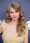 80152-taylor-swift-46thannualacademyofcountrymusic