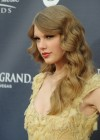 80222-taylor-swift-46thannualacademyofcountrymusic