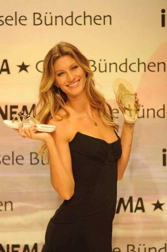 Gisele Bundchen - Launch of 2011 Ipanema Sandal Collection