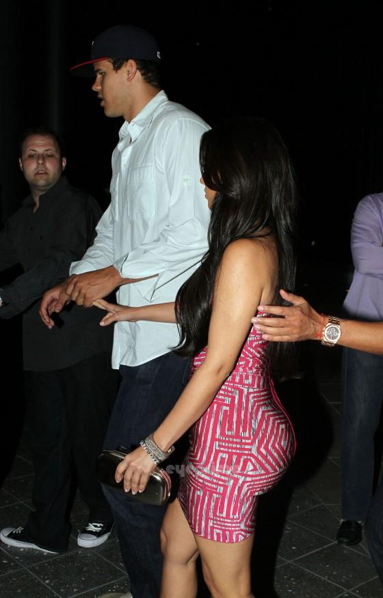 Kim Kardashian – Candids at LIV at Fontainebleau in Miami