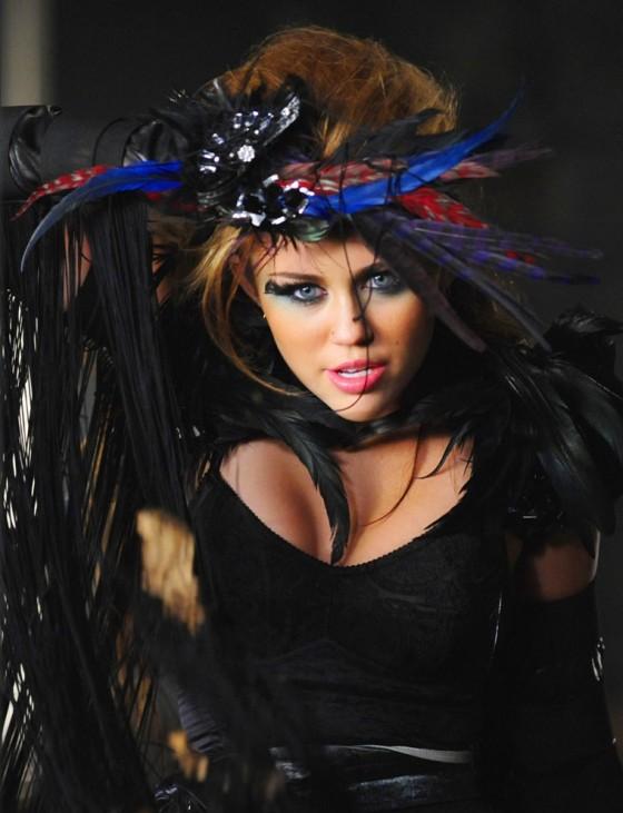 Miley Cyrus – Hot Photoshoot