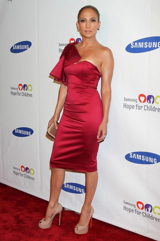 Jennifer Lopez - Leggy at Samsung Hope for Children Gala