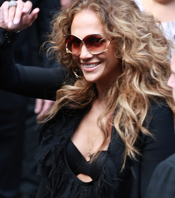 Jennifer Lopez - leaving her hotel in London