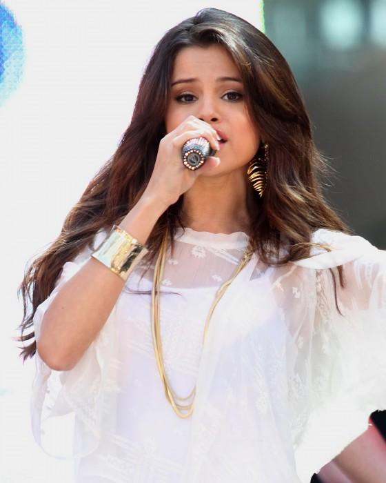 Selena Gomez Santa Monica Concert