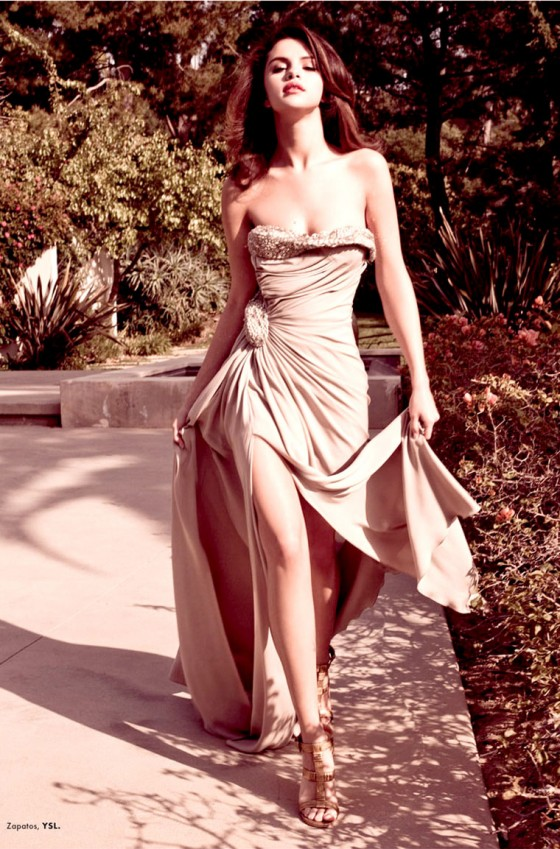 Selena Gomez Wear Hot Dress In ELLE Magazine Mexico