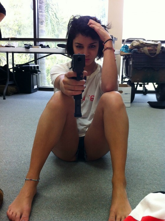 Vanessa Hudgens Twitter pic with gun