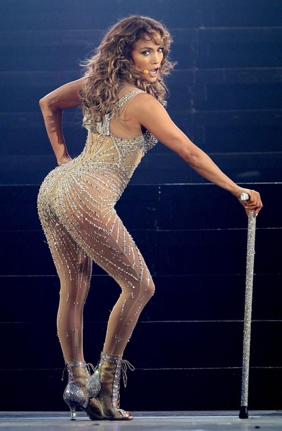 Jennifer Lopez Hot concert pics from Panama City