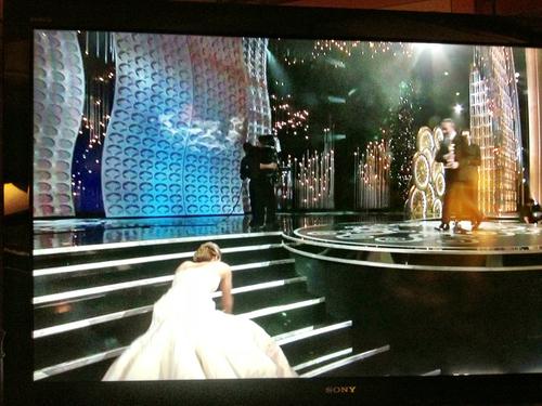 Jennifer-Lawrence-Trip-Oscars