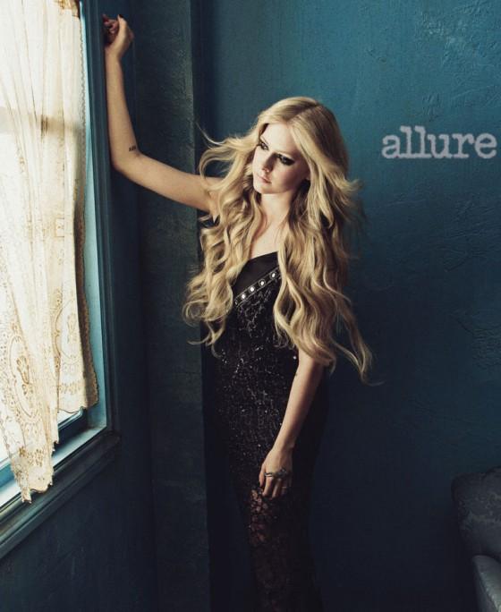Avril Lavigne – Allure 2013