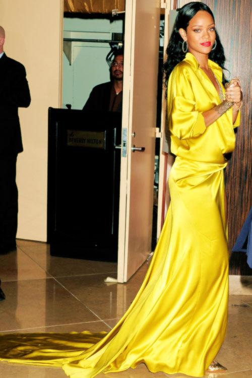 Rihanna-GRAMMY-2014-Clive-Davis-Pre-Grammy-4