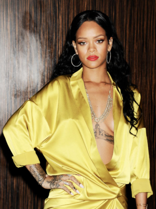 Rihanna 2014 : Rihanna-GRAMMY-2014-Clive-Davis-Pre-Grammy-5