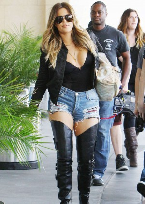 Khloe-Kardashian-Photos -Boots-and-Daisy-Dukes--06
