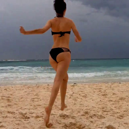 Krysten-Ritter-Bikini