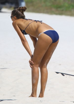 Exclusive... Fernanda Uesler Playing Volleyball In Miami