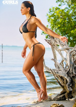 Michelle Lewin10