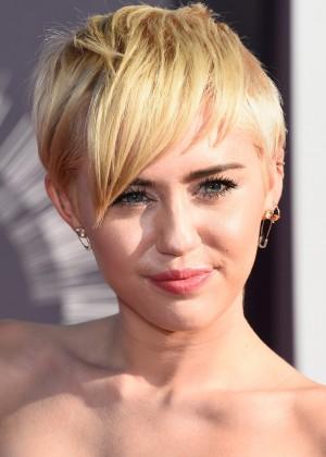 Miley Cyrus8