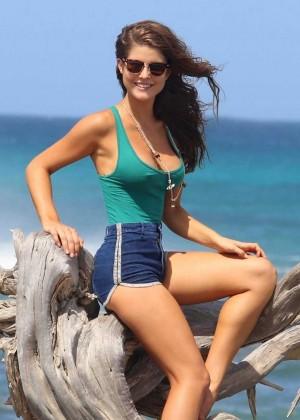 Amanda-Cerny1