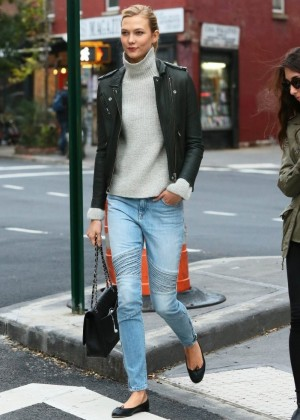 Karlie Kloss Street Style Out In Nyc Gotceleb