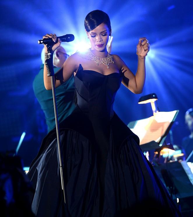 Rihanna15