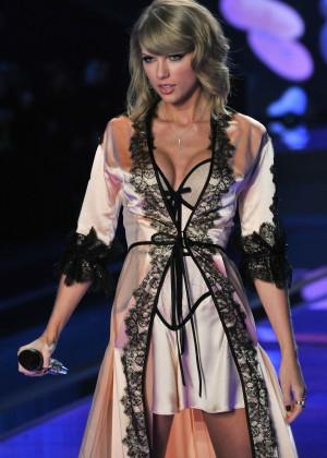 Taylor-Swift11