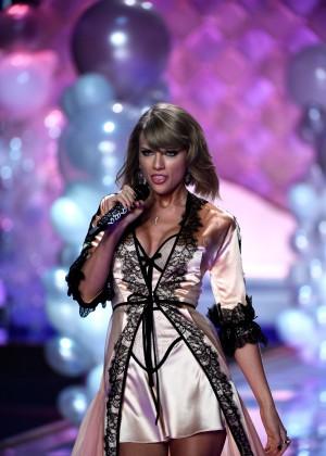 Taylor-Swift6