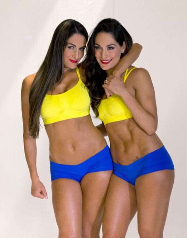 Bella Twins – Muscle & Fitness Hers 2015 (Behind the Scenes)