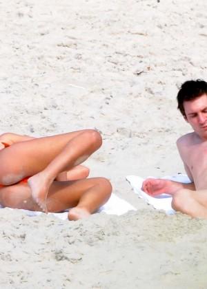 Antonella Roccuzzo Hot in bikini