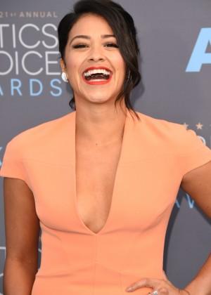 Gina Gina Rodriguez: 2016 Critics Choice Awards21)_002