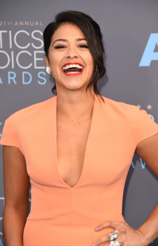 Gina Gina Rodriguez: 2016 Critics Choice Awards21)_002