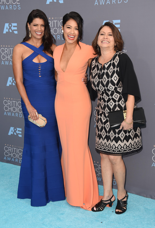 Gina Rodriguez 2016 : Gina Rodriguez: 2016 Critics Choice Awards4