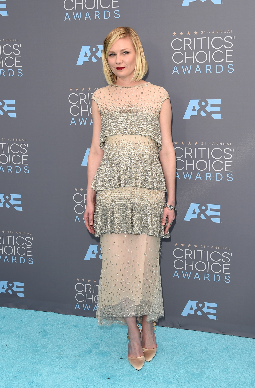 Kirsten Dunst 2016 : Kirsten Dunst: 2016 Critics Choice Awards2