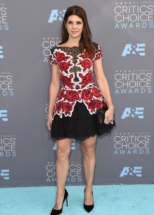 Marisa Tomei: 2016 Critics Choice Awards1