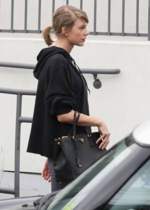 Taylor Swift in Tights8