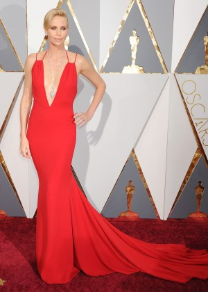 Charlize Theron: 2016 Oscars4