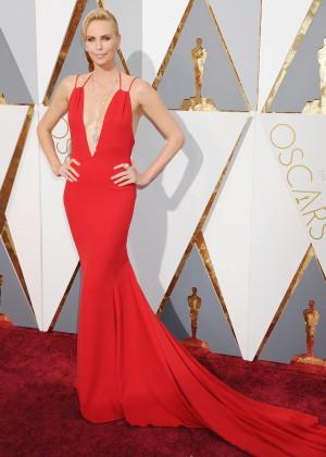 Charlize Theron: 2016 Oscars18
