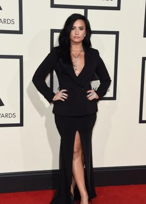 Demi Lovato15