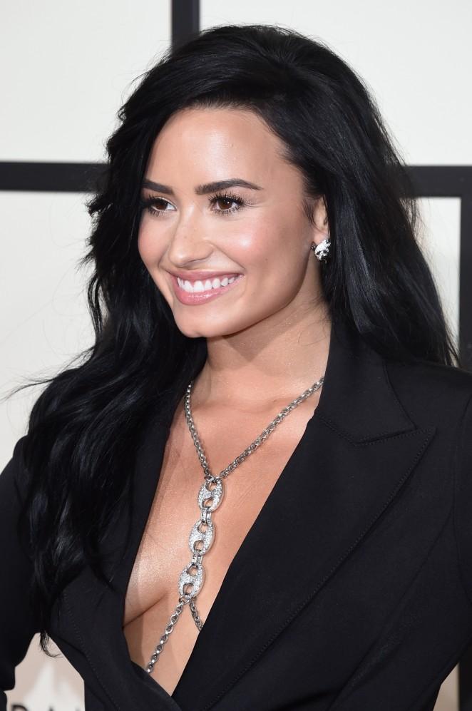 Demi Lovato19