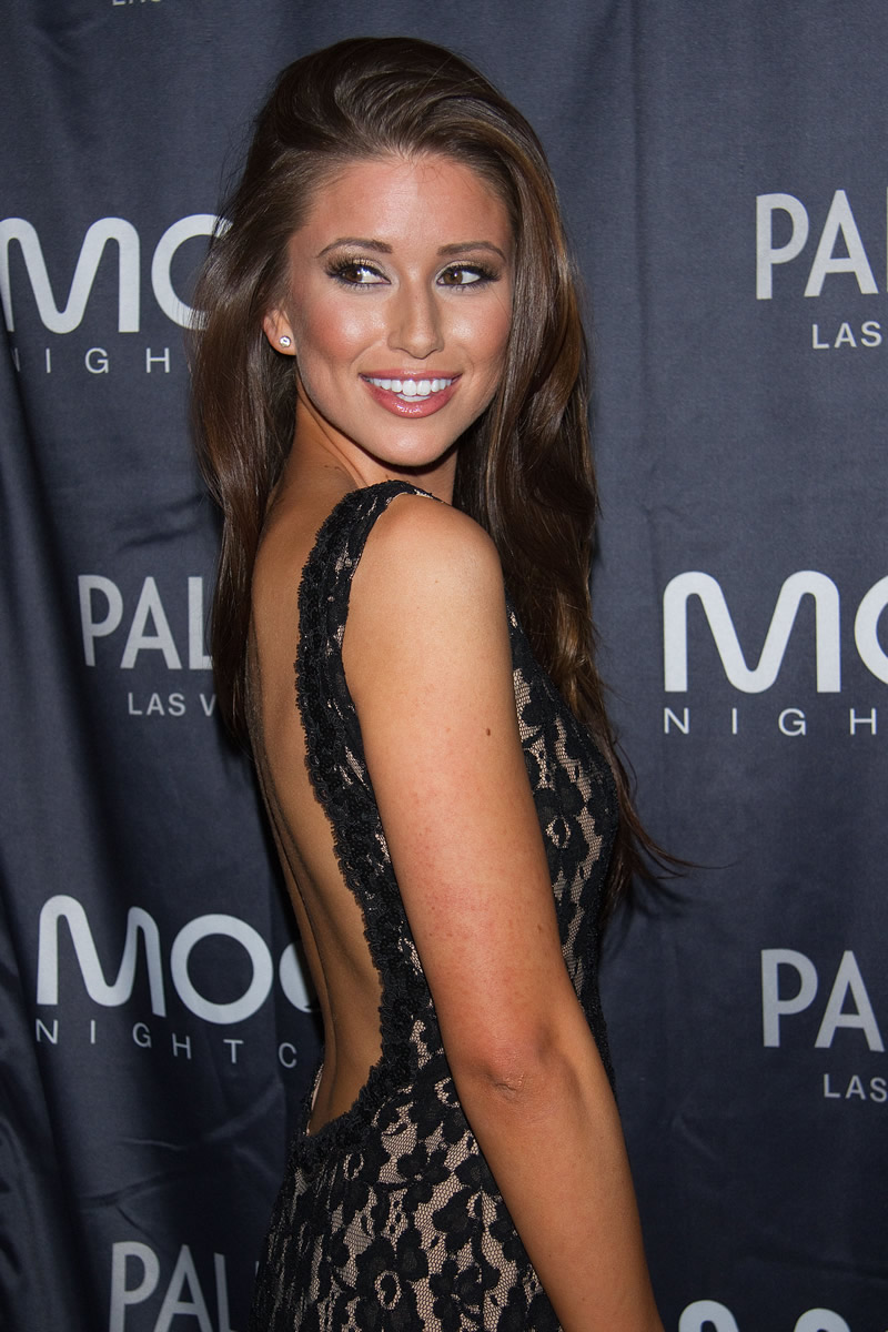 Watch Nia Sanchez video